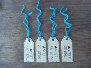 Etiquettes avec ficelle