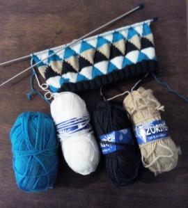 Pull pour Chouchou - modèle Phildar + laine de récup'
