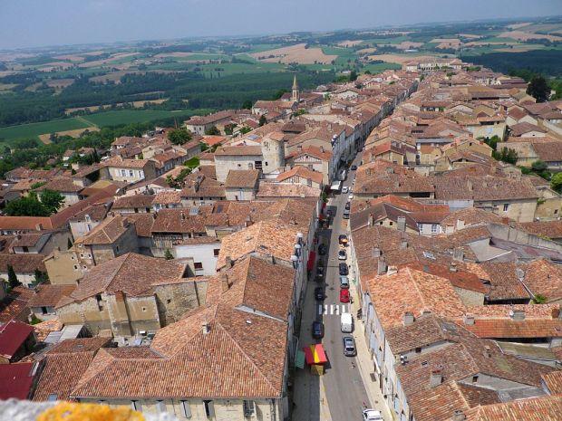 Ville de Lectoure - from tourisme-gers.com
