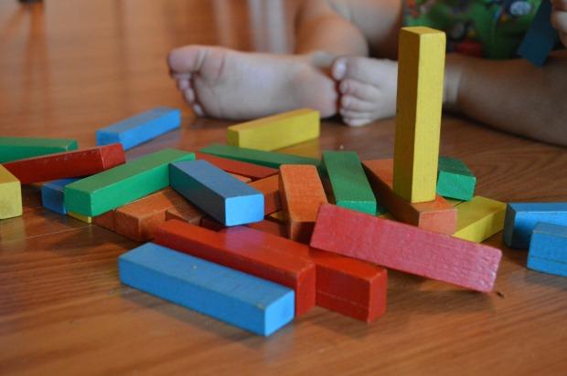 Activité Montessori cubes couleur